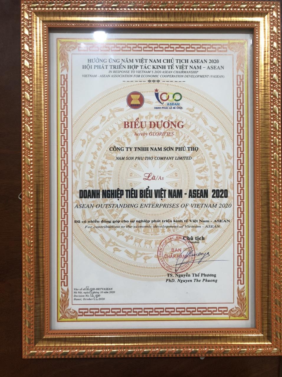 (Công ty TNHH Nam Sơn Phú Thọ nhận bằng khen Doanh nghiệp tiêu biểu Việt Nam Asean 2020)
