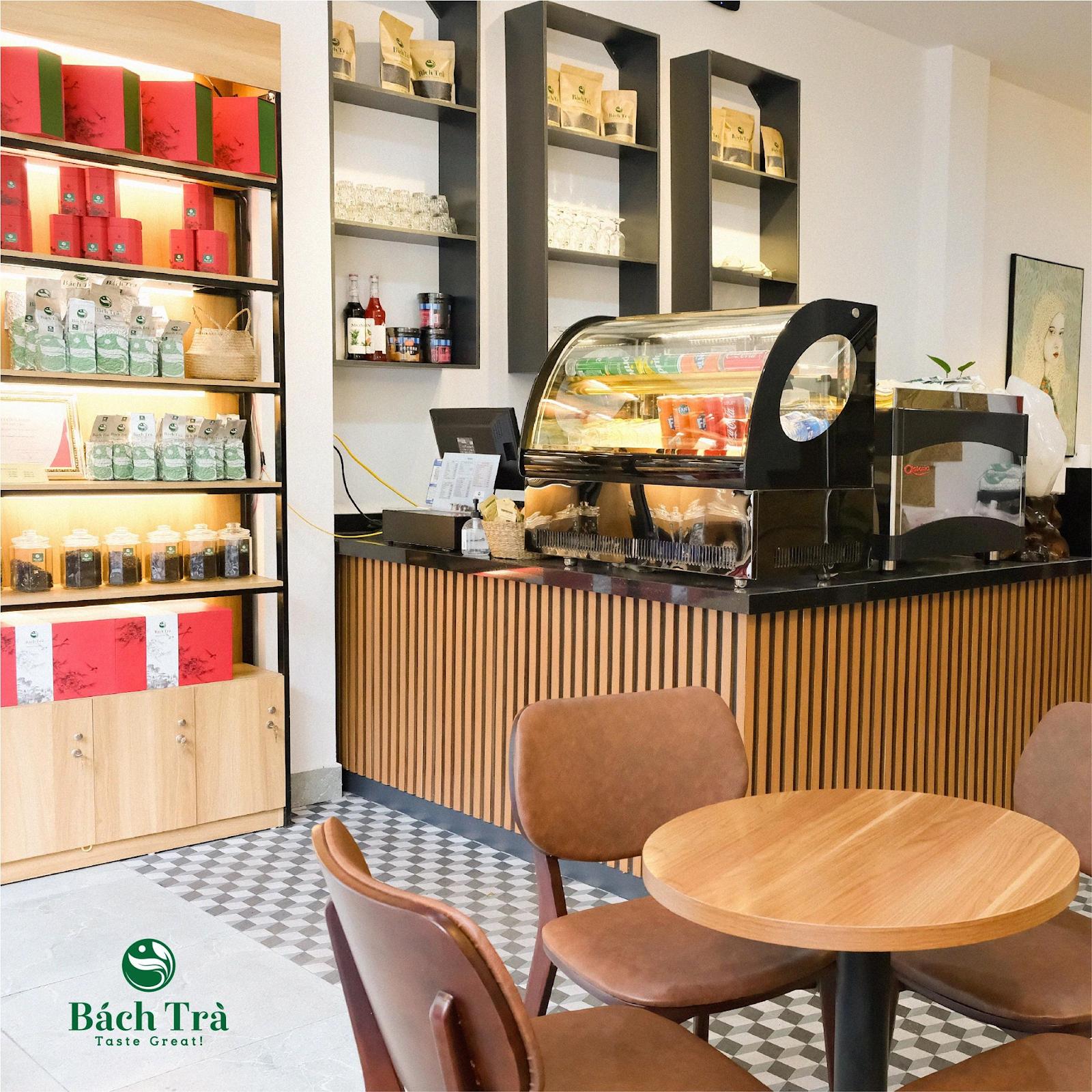 (Bách Trà Tea & Coffee là địa chỉ quen thuộc của những người yêu trà)