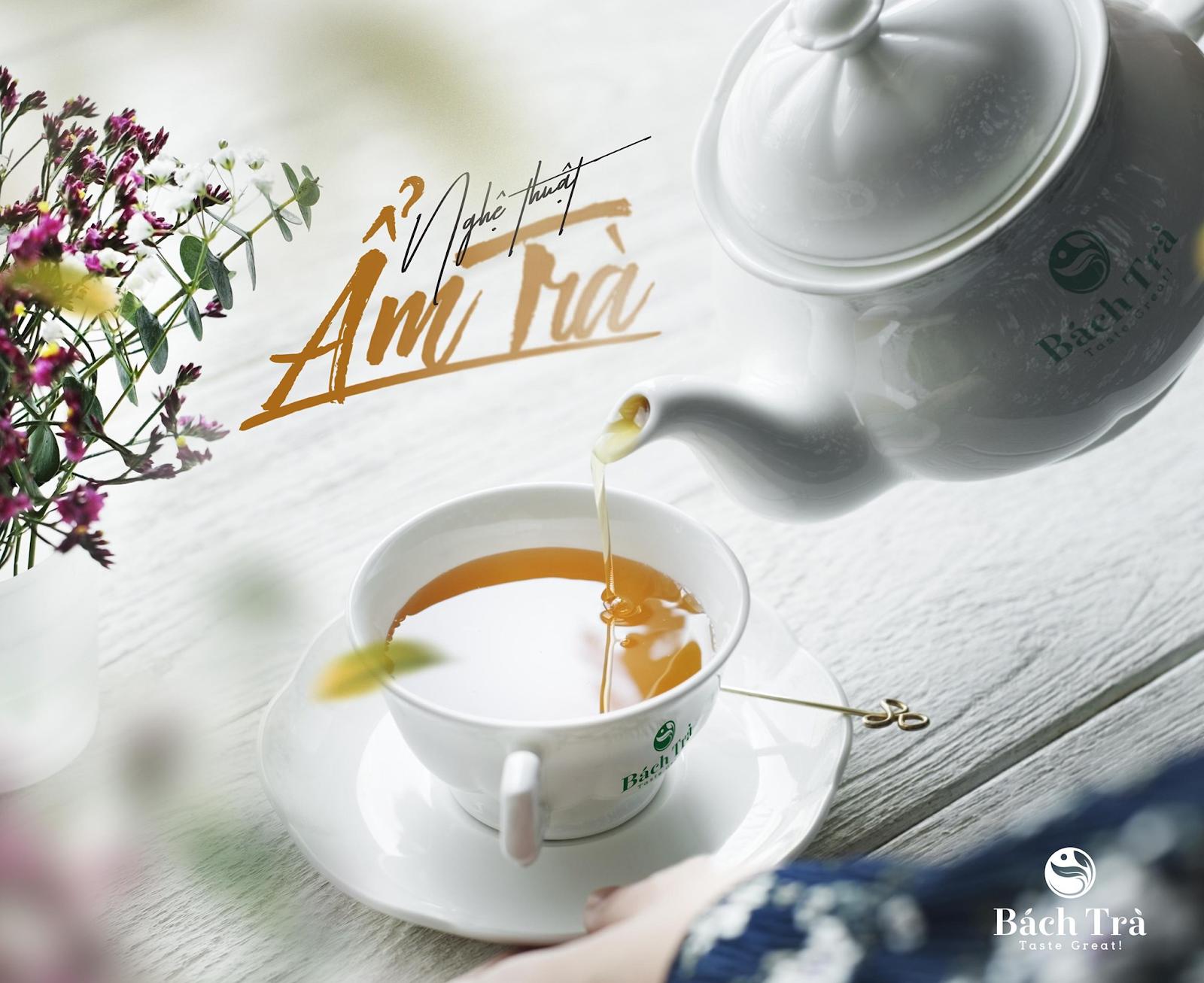 (Thưởng trà là cả một bộ môn nghệ thuật)
